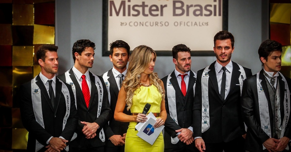 Após o anúncio do TOP 6, formado pelos misters Mister Tocantins, Ilhas de Florianópolis, Santa Catarina, Ilhas do Delta do Jacuí, Minas Gerais e Rio Grande do Sul, os meninos foram brevemente entrevistados