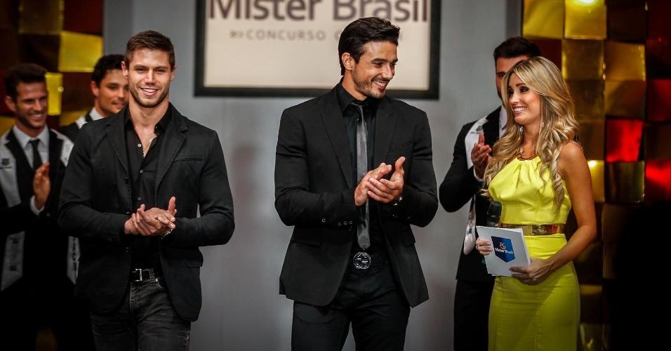 O Mister Brasil 2010 e ex-BBB, Jonas Sulzbach, e o Mister Brasil 2007, Lucas Gil, foram chamados ao palco para o anúncio do vencedor