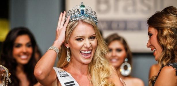 Sancler Frantz aproveita seus primeiros momentos como a Miss Brasil World 2013