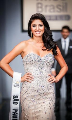 6.abr.2013 - As candidadatas também desfilaram em traje de gala. Na foto, a Miss São Paulo, que está no TOP 16