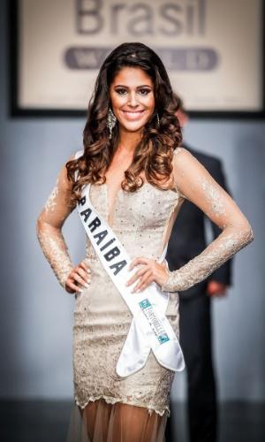 6.abr.2013 - As candidadatas também desfilaram em traje de gala. Na foto, a Miss Paraíba, que está no TOP 16