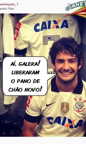 Corneta FC: Pato mostra novo pano de chão corintiano