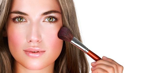 Com a crescente tecnologia aplicada aos cosméticos, está cada vez mais fácil valorizar a beleza natural sem investir horas nem fortunas