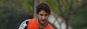 Futebol paulista: Corinthians quer se adaptar a três atacantes para aumentar número de gols fora de casa