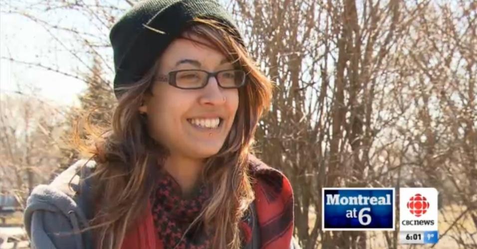 A ativista estudantil Jennifer Pawluck, 20, foi presa e, em seguida, solta por ter postado no Instagram uma imagem de um grafite que mostrava um policial com uma bala na cabeça
