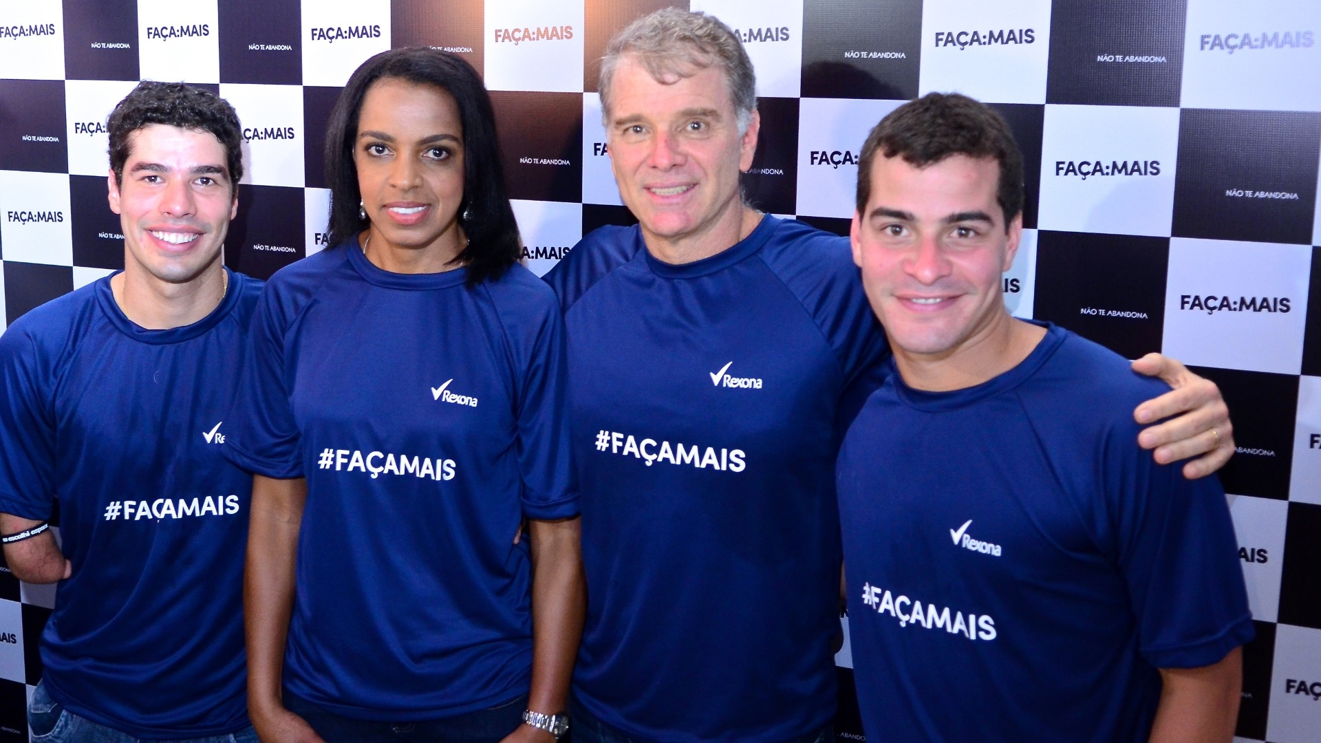 Daniel Dias, Fofão, Bernardinho e o ator Thiago Martins, em evento de patrocinador em São Paulo