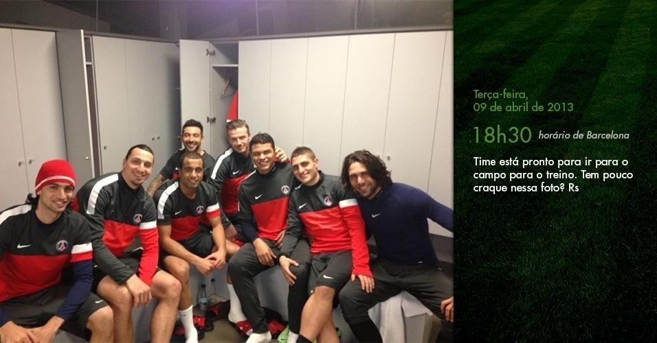 Diário de Lucas: Time está pronto para ir para o campo para o treino. Tem pouco craque nessa foto? (18h30 em Barcelona)