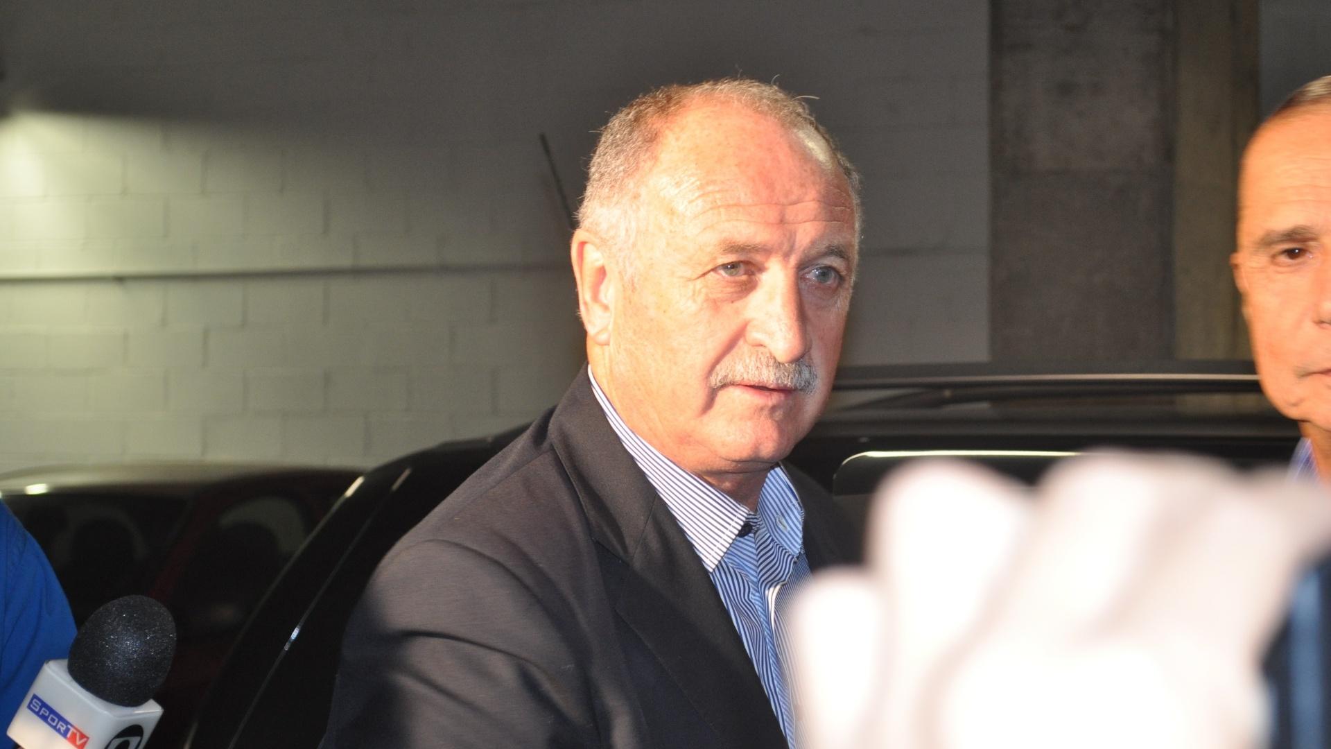 Técnico da seleção brasileira de futebol, Luis Felipe Scolari, o Felipão, chega a Arena para acompanhar Grêmio e Fluminense (10/04/2013)