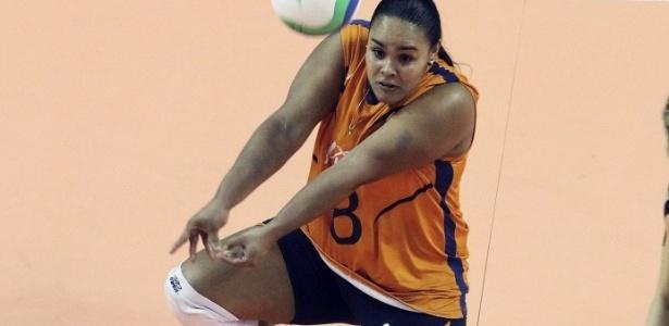 Jogadora bastante habilidosa, a líbero 'gordinha' Suellen terá nova chance na seleção brasileira