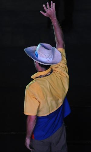 11.abr.2013 - O candidato da oposição à presidência da Venezuela, Henrique Capriles, acena ao público durante comício na cidade de Barquisimeto, no Estado de Lara, nesta quinta-feira (11), último dia da campanha para a eleição presidencial do domingo (14). Capriles concorre contra o chavista e presidente interino, Nicolás Maduro