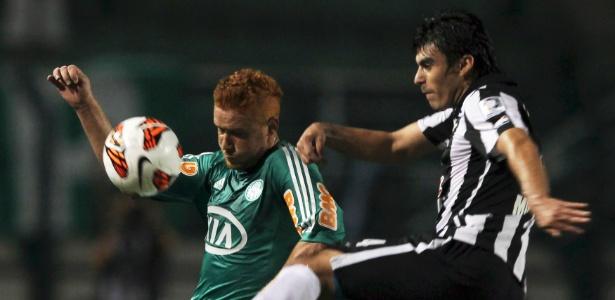 Souza foi liberado pelo Palmeiras para realizar exames e assinar com o Cruzeiro