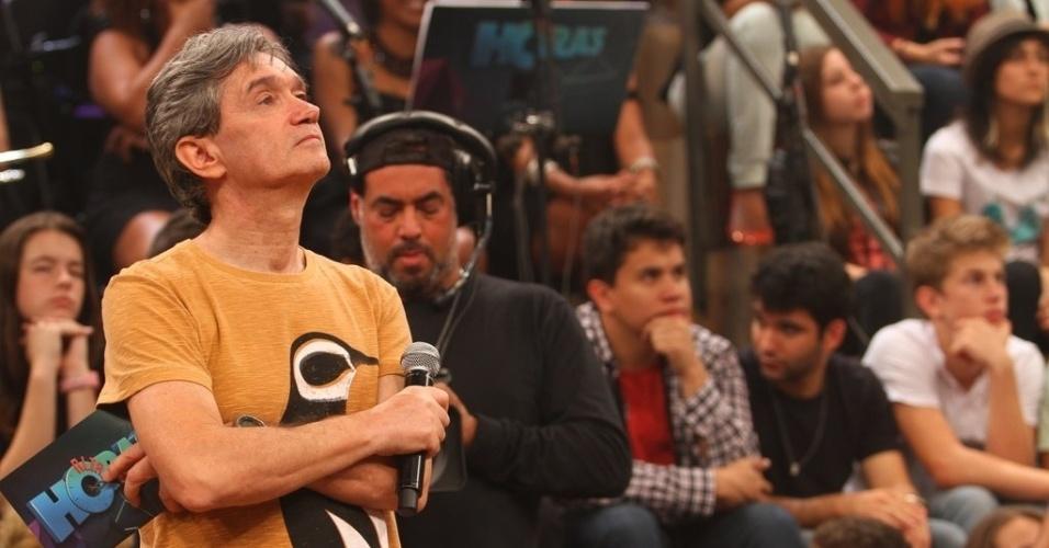 """11.abr.2013 - Serginho Groissman durante a gravação de mais uma edição do """"Altas Horas"""""""