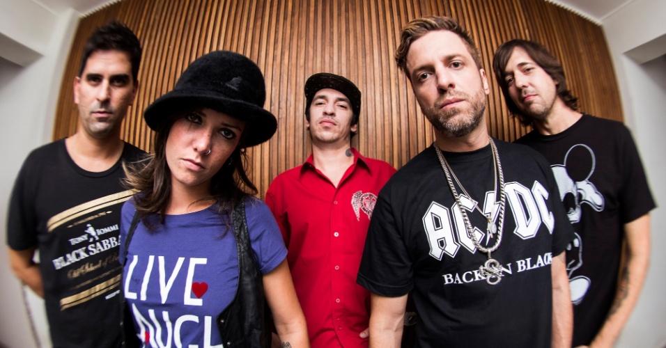 A Banca, nova banda dos integrantes do Charlie Brown Jr., terá Bruno Graveto na bateria, Lena no baixo, Champignon nos vocais, Thiago Castanho e Marcão na guitarra