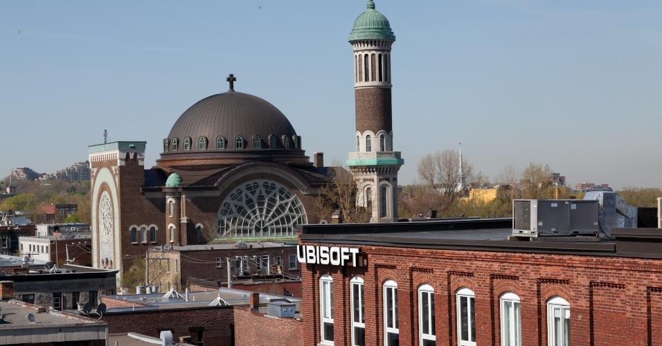 Prédio da Ubisoft em Montreal; o estúdio foi fundado em 1997 e, atualmente, conta com 2.100 funcionários