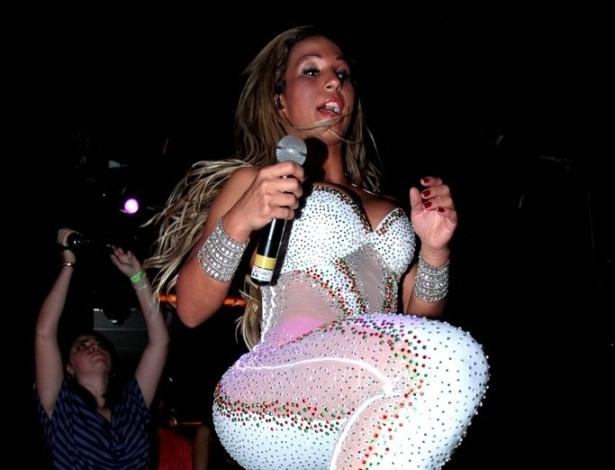 11.abr.2013 - Com ingressos que chegavam a R$ 150, Valesca Popozuda se apresenta em balada em São Paulo. Posso dizer que hoje eu faço sucesso com todas as classes. É uma fatia mínima da sociedade que não gosta do funk