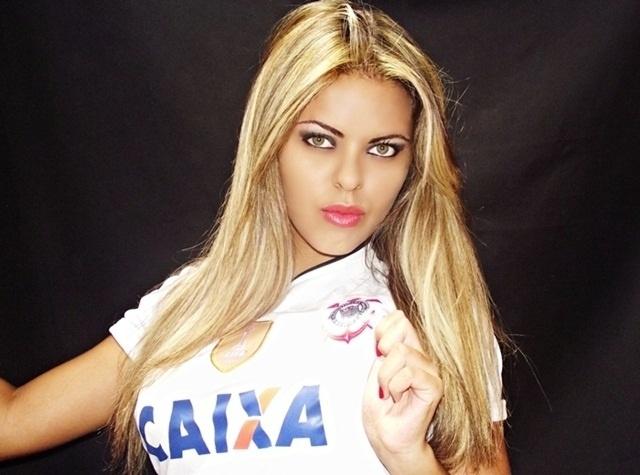 Bruna Brie está entre as inscritas para representar o Corinthians no Belas da Torcida 2013