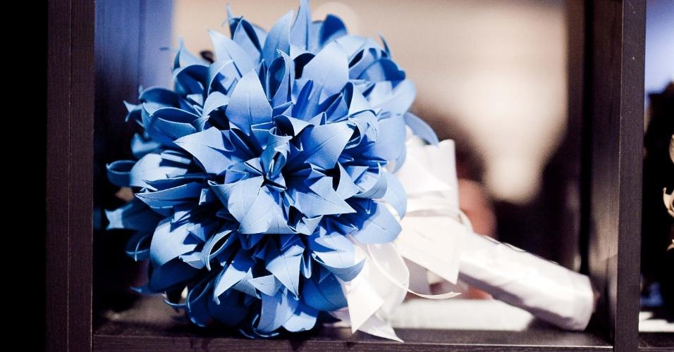 Buquê de origami da Adriana Suzuki Origamis Especiais (wwwadrianasuzuki.blogspot.com.br); por R$ 385 (unidade de qualquer cor). Preço consultado em abril de 2013 na feira Casar e sujeito a alterações