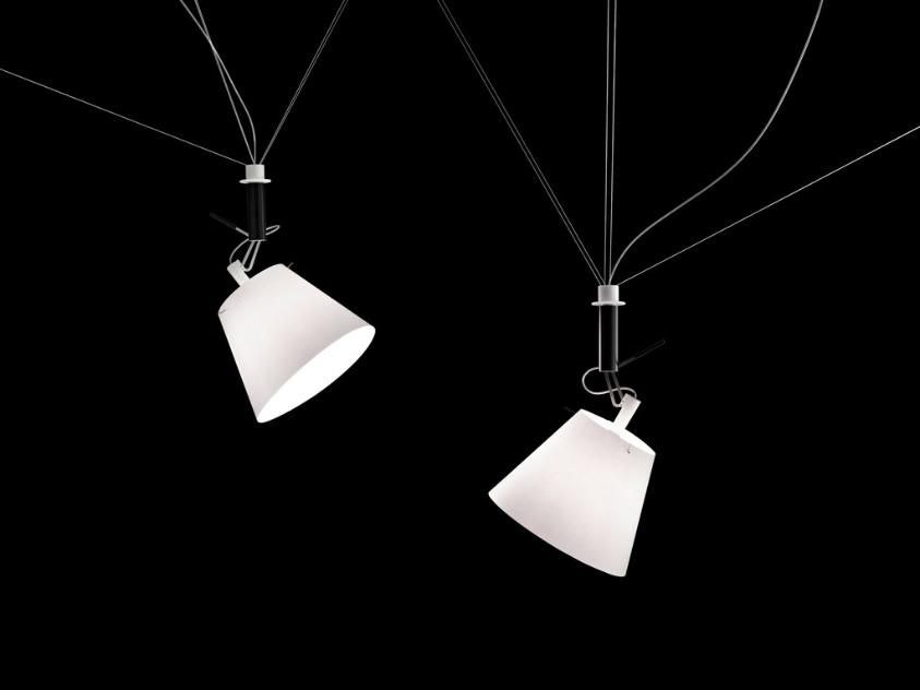 Da+Dort (2003/2012) é uma luminária de traços simples e e estruturada em papel, criada por Ingo Maurer e Christoph Matthias