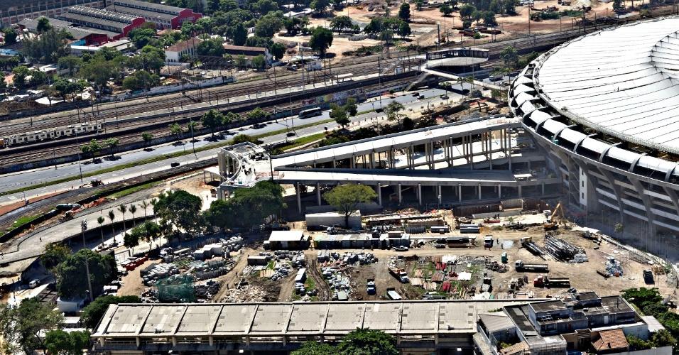 12.abr.2013 - Estádio de Atletismo vai ser demolido pela futura administradora do Maracanã