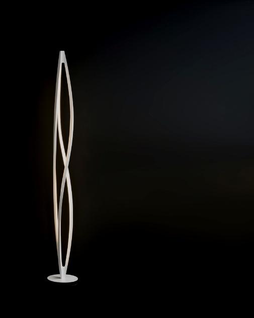In the Wind é o nome da luminária coluna desenvolvida por Arihiro Miyake e exposta no estande da Nemo/Cassina na Euroluce 2013