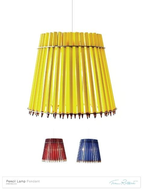 O designer Tom Rossau criou luminárias de mesa e pendentes com um material simples e cotidiano: lápis