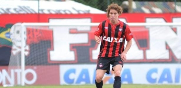 Renan Foguinho, volante do Atlético-PR