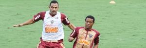 Libertadores: Expulso contra São Paulo, volante Rosinei é suspenso por quatro jogos pela Conmebol