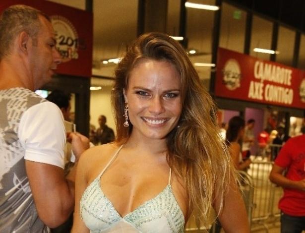 12.abr.2013 - A ex-BBB Natália chega ao Axé Brasil 2013 no Mineirão, em Belo Horizonte
