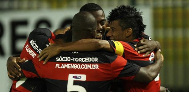 Jogadores do Flamengo comemoram mais um gol e a classificação na Copa do Brasil