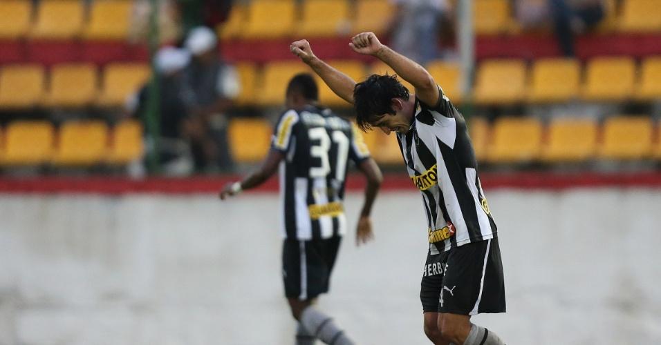 14.04.2013 - Lodeiro comemora gol do Botafogo contra o Nova Iguaçu