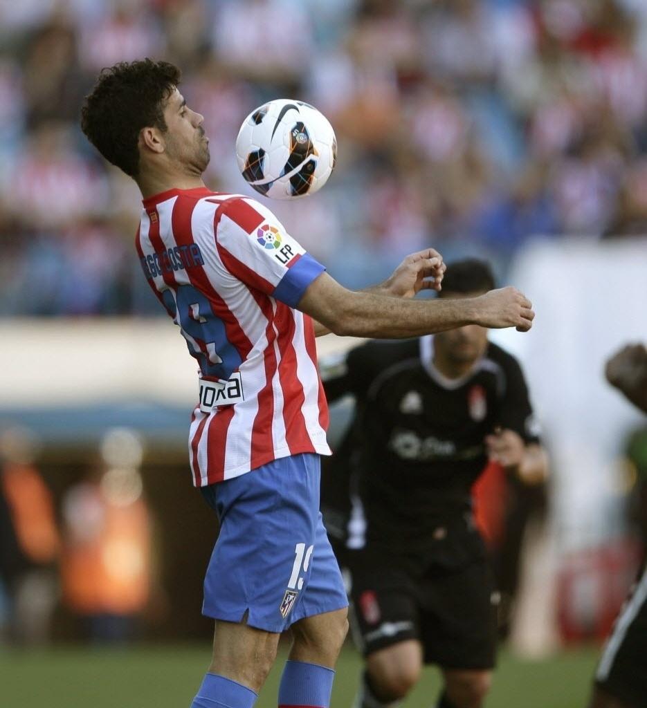 14.abr.2013 - Convocado por Felipão, atacante Diego Costa abriu o placar na goleada do Atlético de Madri por 5 a 0 sobre o Granada