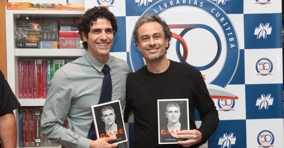 14.abr.2013 - Reynaldo Gianecchini e Guilherme Fiuza participaram de tarde de lançamento do livro