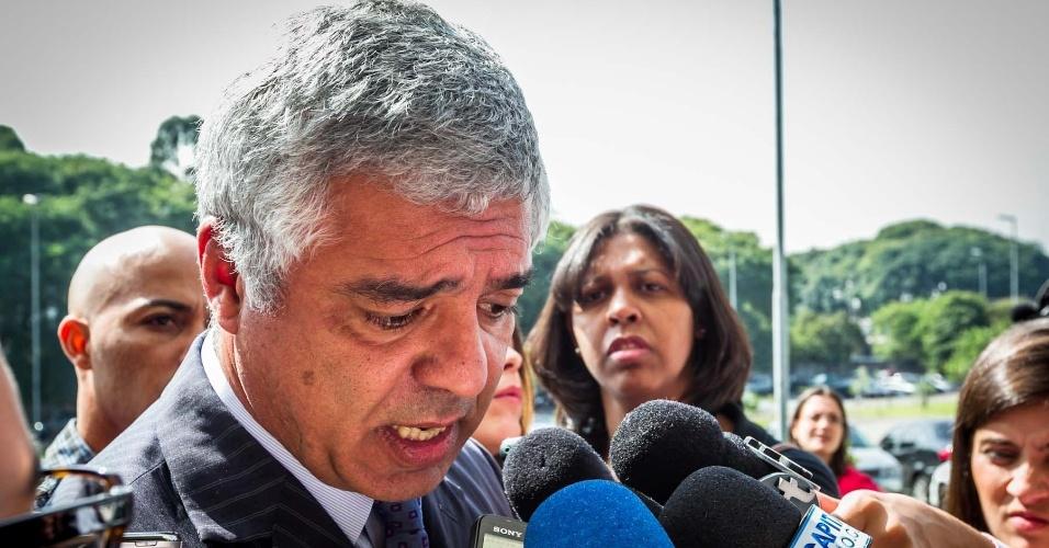 15.abr.2013 - Deputado estadual Major Olímpio Gomes, membro da comissão de Segurança Pública da Assembleia Legislativa, fala com a imprensa no Fórum Criminal da Barra Funda, sobre o julgamento do Carandiru, em São Paulo