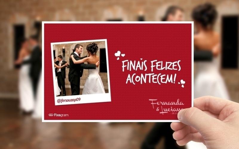 Fotolembrança elaborada com a ajuda do aplicativo Instagram; da Fixagr.am (www.fixagr.am), a partir de R$3.000 para quatro horas de festa com impressão média de 500 fotos.