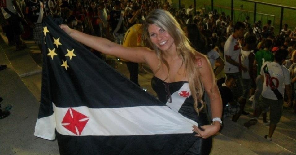 Jamila Sandora está na briga para representar o Vasco no Belas da Torcida 2013