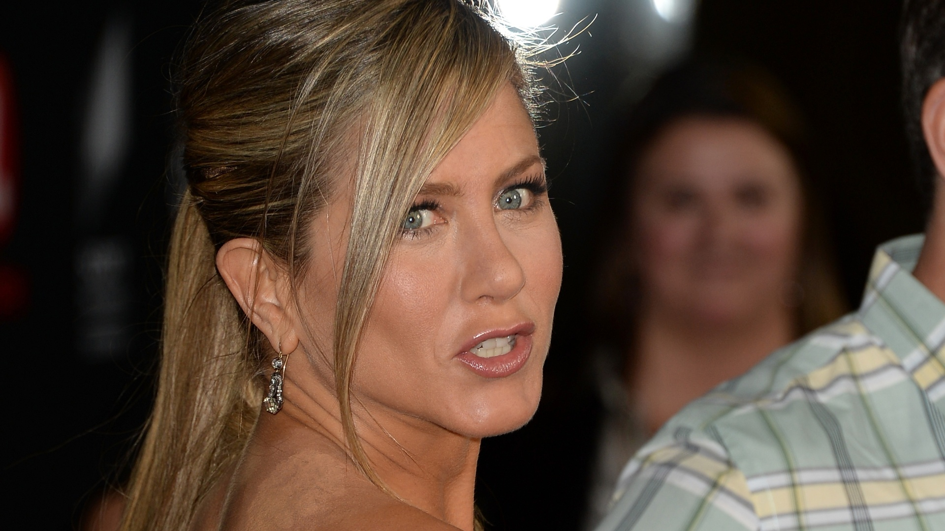 16.abr.2013 - Jennifer Aniston na première do filme da Lifetime