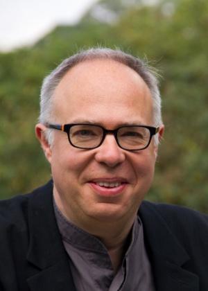Charles Esche, nascido em Manchester, o curador da 31º Bienal de São Paulo.