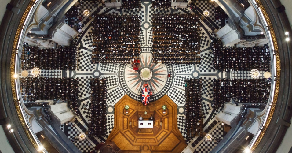 17.abr.2013 - Velorio de corpo presente da ex-ministra britânica Margaret Thatcher na Catedral de St. Paul, no centro de Londres, na Inglaterra