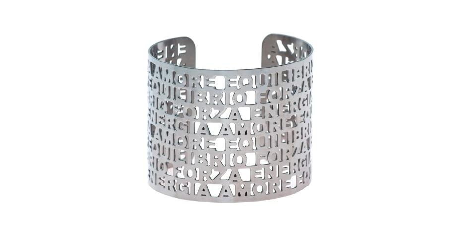 Bracelete prateado com estrutura vazada; R$ 120, da Francesca Romana Diana, na Farfetch (www.farfetch.com.br). Preço pesquisado em abril de 2013 e sujeito a alterações