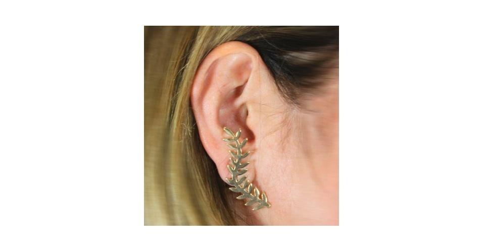 Brinco earcuff de folha; R$ 75, na Alessandra Schmidt (www.alessandraschmidt.com). Preço pesquisado em abril de 2013 e sujeito a alterações