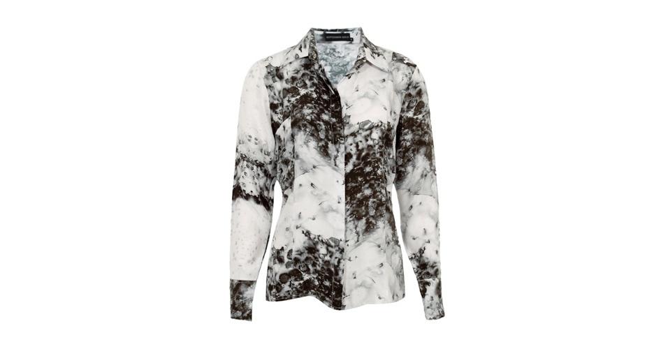 Camisa estampada em preto e branco; R$ 387,95, da September Issue, na Dafiti Premium (www.dafitipremium.com.br). Preço pesquisado em abril de 2013 e sujeito a alterações