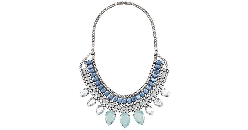 Colar com pedras azuis e cristais; R$ 299, na Market 33, na Oqvestir (www.oqvestir.com.br). Preço pesquisado em abril de 2013 e sujeito a alterações