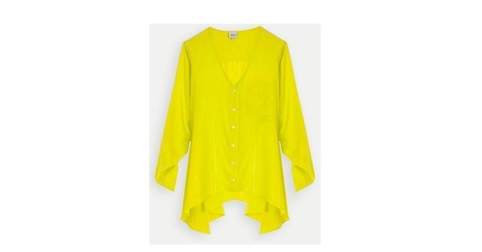 Inspire-se no estilo praiano de Ester e aposte em uma blusa soltinha em amarelo vivo; R$ 690, na Daslu (www.daslu.com.br). Preço pesquisado em abril de 2013 e sujeito a alterações