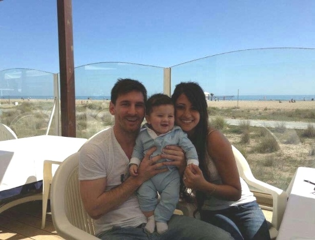 Messi divulga primeira foto com seu filho Thiago