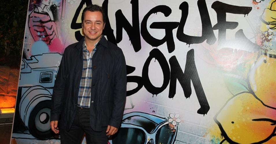 """17.abr.2013 - Carlos Vieira na festa de lançamento de """"Sangue Bom"""" em São Paulo"""