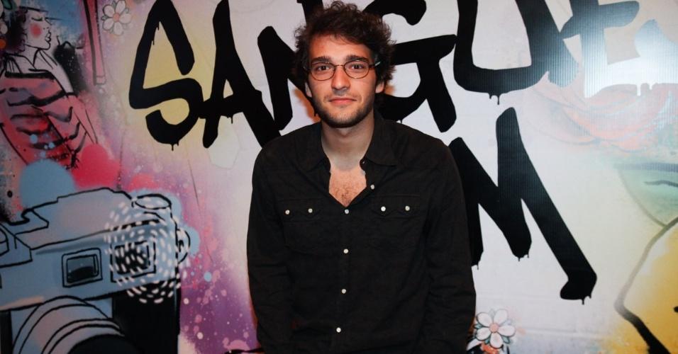 """17.abr.2013 - Humberto Carrão na festa de lançamento de """"Sangue Bom"""" em São Paulo"""
