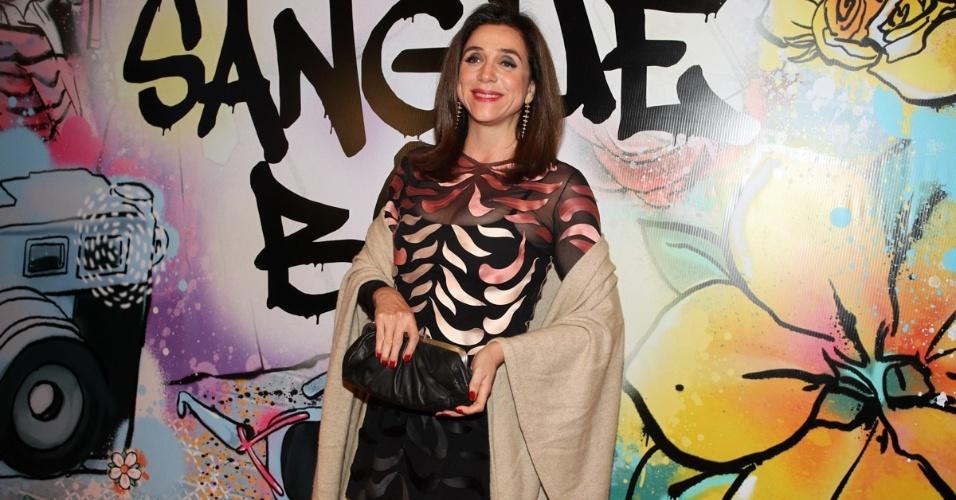 """17.abr.2013 - Marisa Orth na festa de lançamento de """"Sangue Bom"""" em São Paulo"""