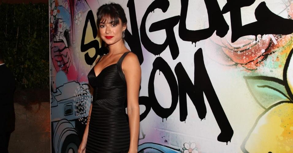 """17.abr.2013 - Thaila Ayala prestigia a festa de lançamento de """"Sangue Bom"""" em São Paulo"""