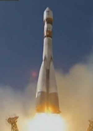 A nave russa Bion-M, acoplada ao foguete Soyuz, foi lançada ao espaço carregando 45 ratos, oito gerbils, 15 lagartos, 20 caracóis, além de plantas, ovas de peixes, grãos e outros micro-organismos