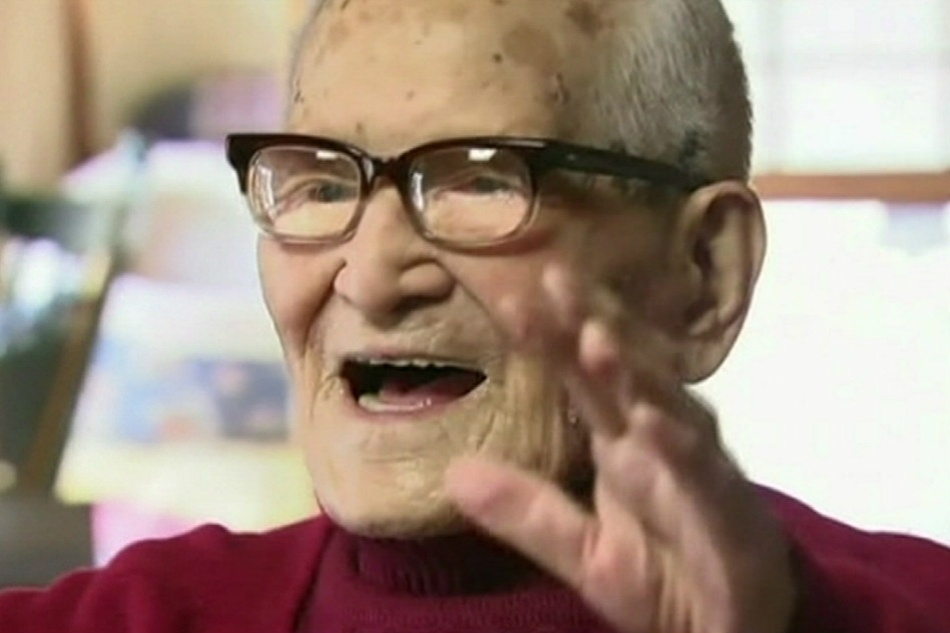 19.abr.2013 - O japonês Jiroemon Kimura, homem mais velho do mundo, celebrou 116 anos no dia 19 de abril de 2013. Kimura foi carteiro e nasceu na região oeste do Japão, em 1897. Ele é o homem a atingir a idade mais avançada já registrada oficialmente